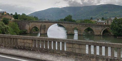 Puente de A Cigarrosa sobre el río Sil