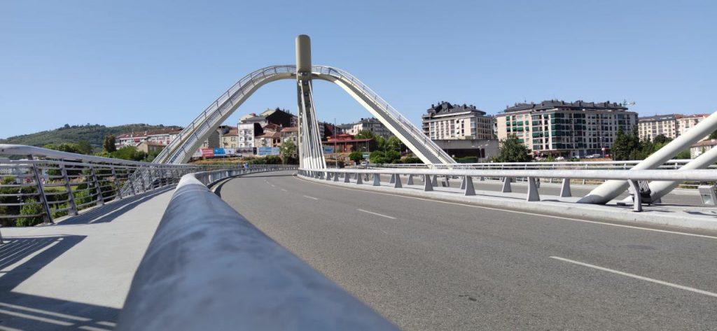 Barrio del Puente y Puente del Milenio