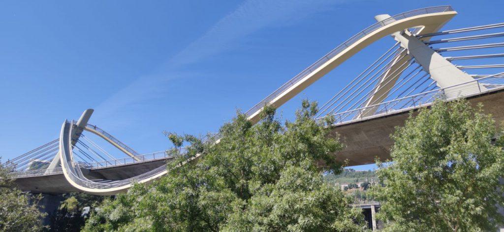 Bonita foto del Puente del Milenio