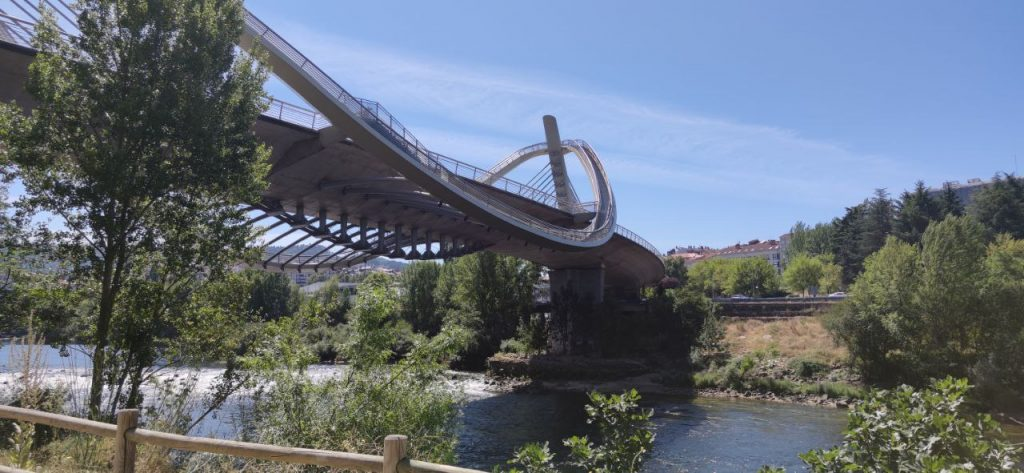 Puente del Milenio desde abajo