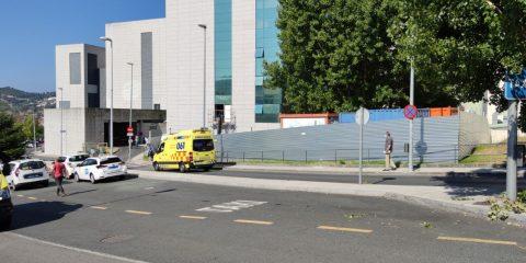 Urgencias del CHUO y ambulancia llegando