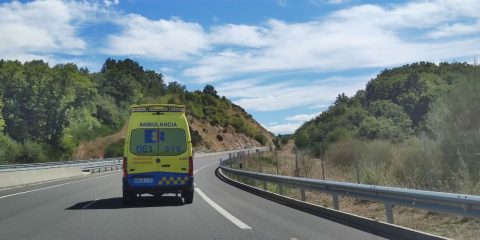 Ambulancia por la autovía