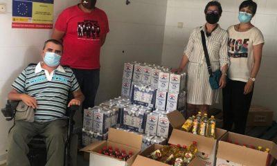 Entrega donación por parte de Algaria