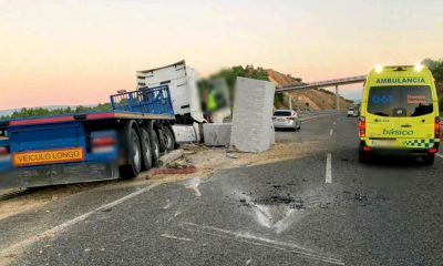 Tráiler accidentado en la A-75