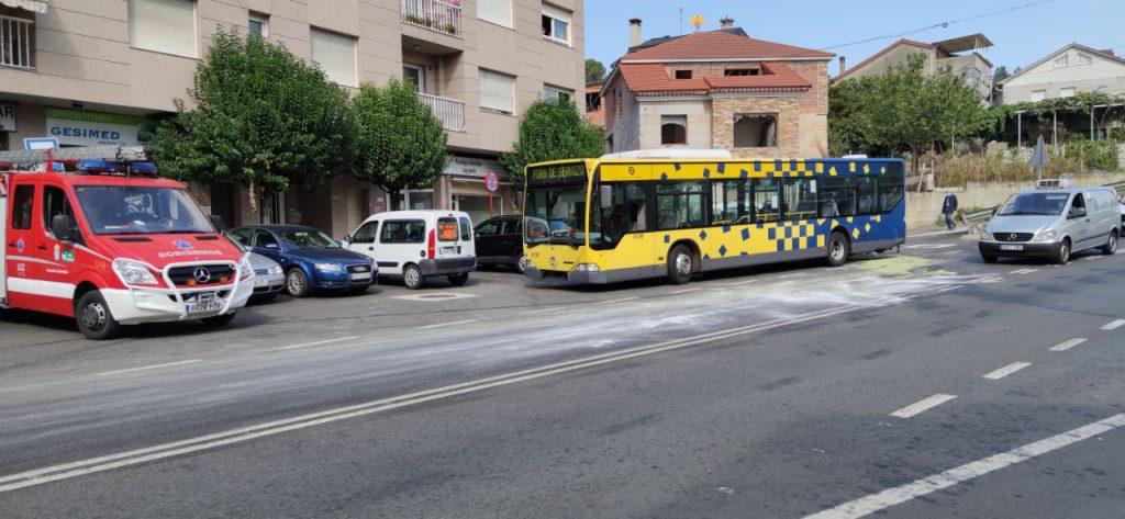 Accidente entre dos autobuses en A Valenzá