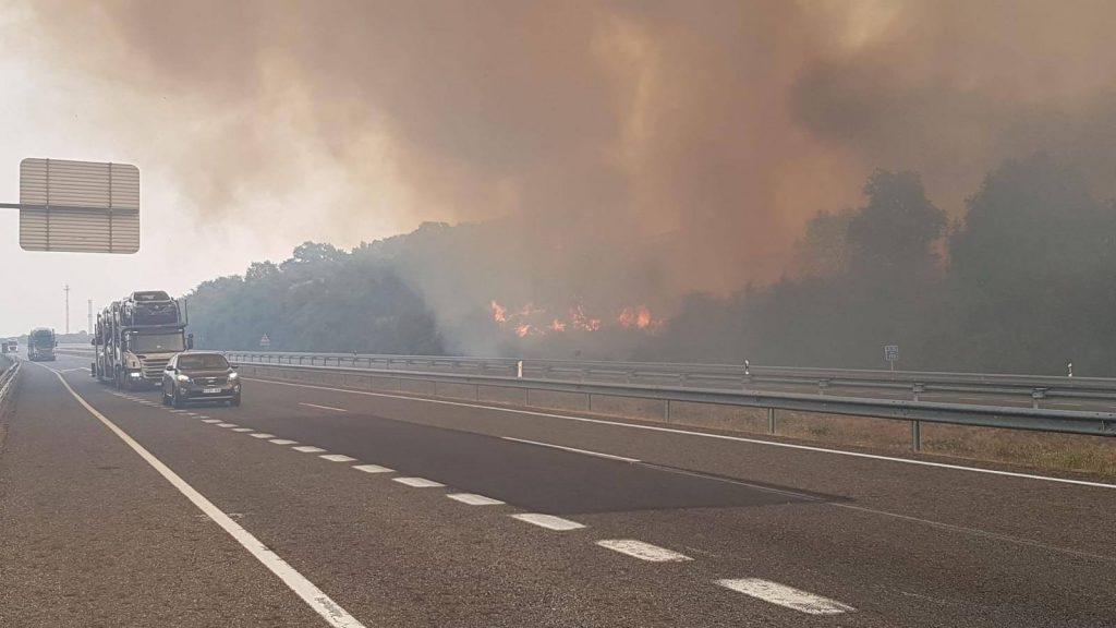 Autovía A52 en llamas