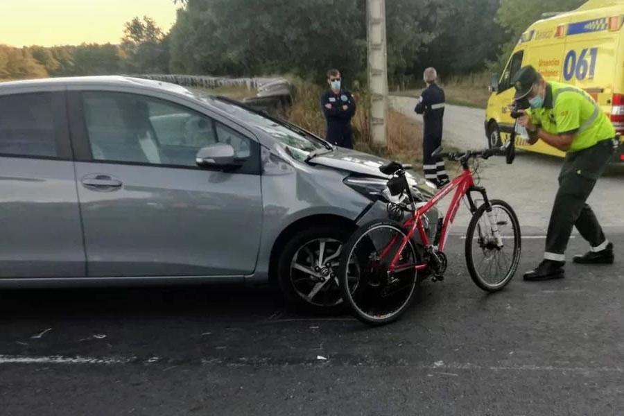 Ciclista arrollado en Maceda