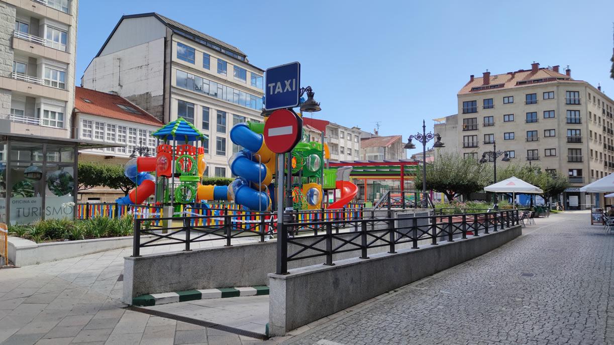 Parque infantil en O Carballiño