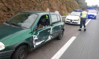 Accidente de tráfico sentido contrario A-52. Foto: @EmerxenciasOu