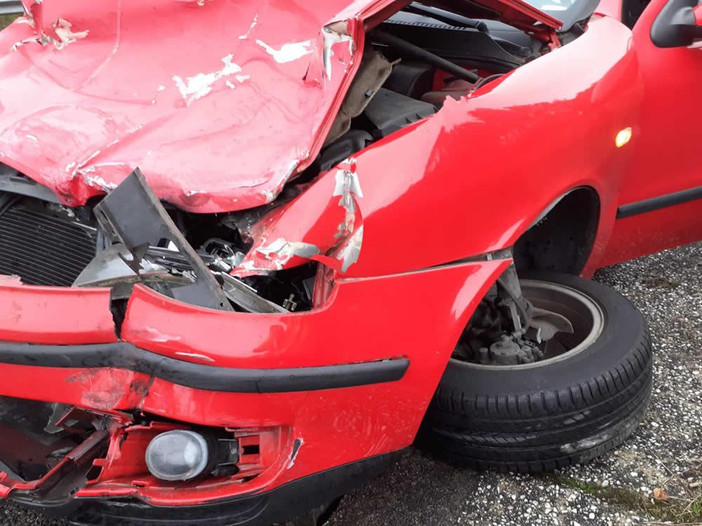 Accidente en AG-52 coche
