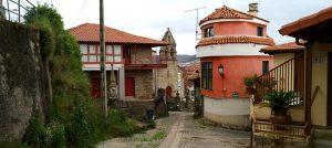 Iglesia A Valenzá y casco antiguo