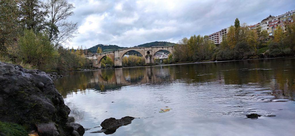 Puente Romano desde la Playa de la Antena