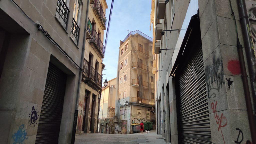Calle San Francisco en el casco viejo de Ourense