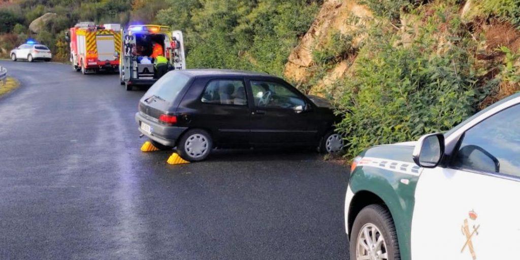 Accidente en Monterrei por salida de vía