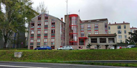 Edificio de la Cruz Roja de Ourense en As Lagunas