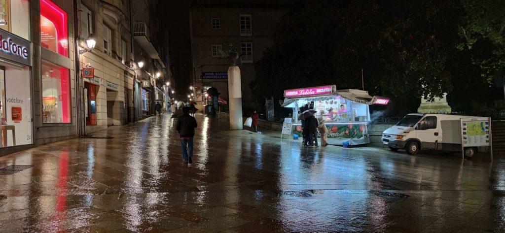 Lluvia en Plaza Padre Feijóo Ourense
