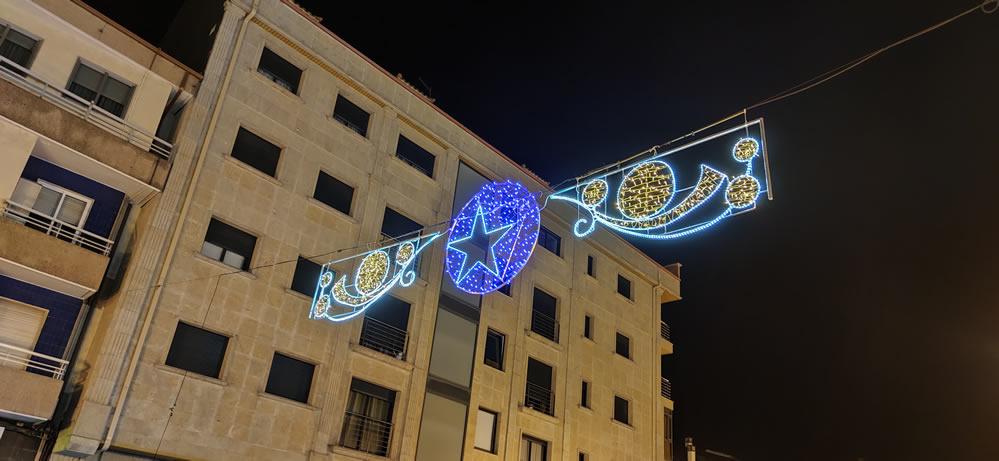 Luces de Navidad en las calles de A Valenzá