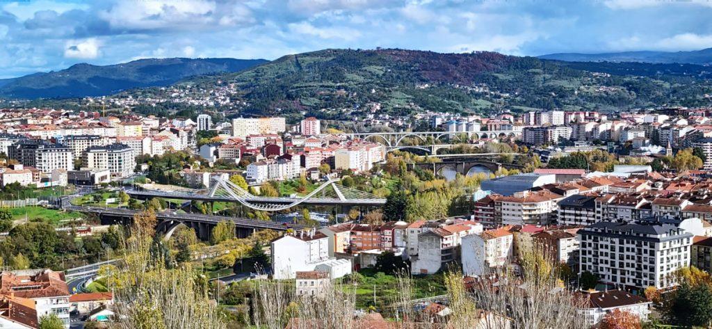 Ourense con sus puentes sobre el Miño
