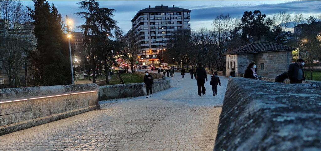 Paseando Por el Puente Romano