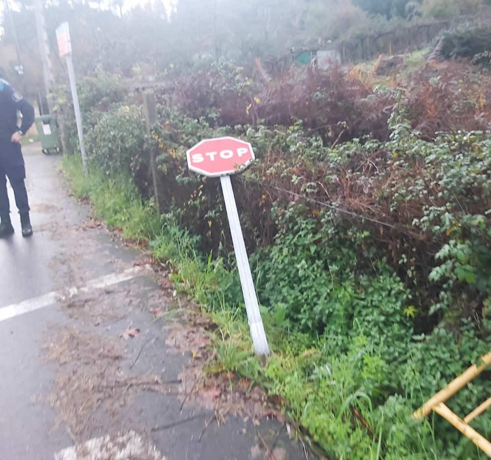 Señal de Stop derribada