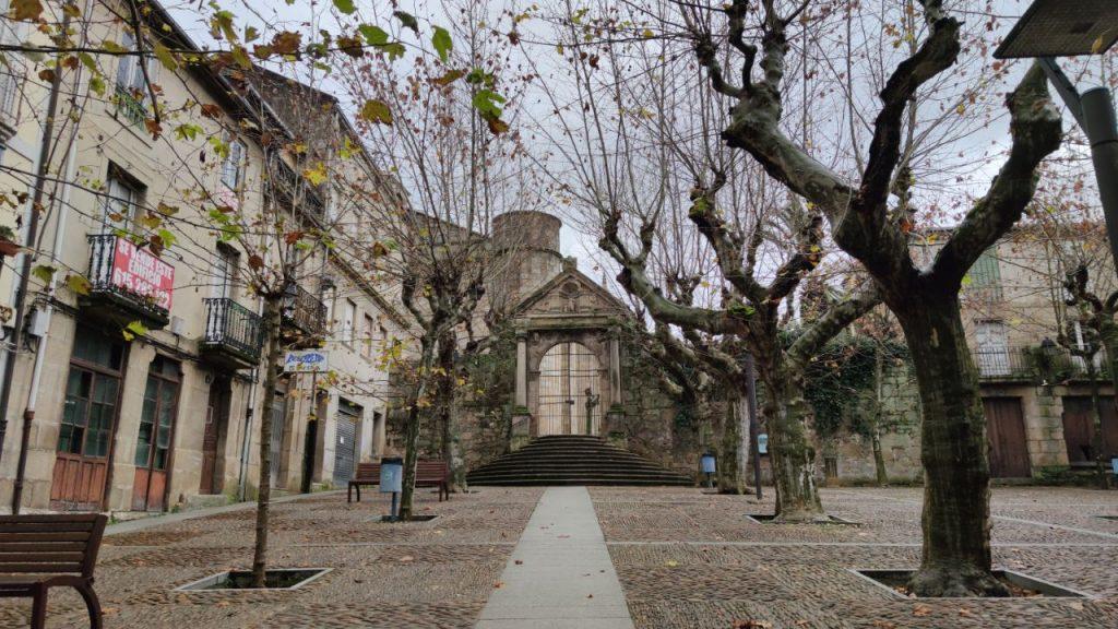 Iglesia y Plaza de la Trinidad
