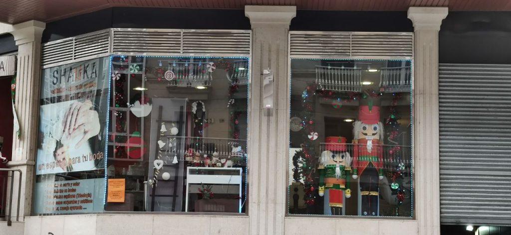 Peluquería Shauka de Ourense escaparate