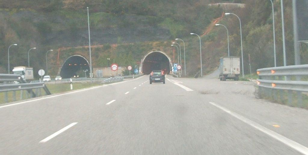 Túnel de O Folgoso en A Cañiza a-52