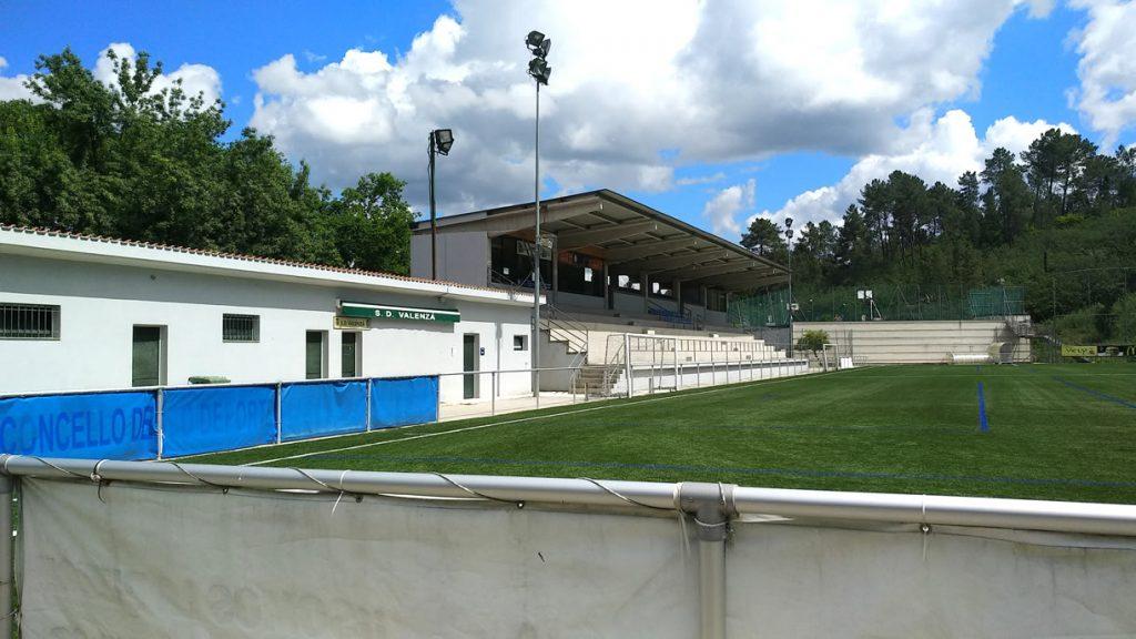 Campo de fútbol de Os Carrís en Barbadás