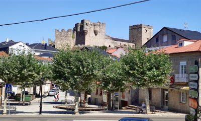 Plaza de Castro Caldelas y Castillo