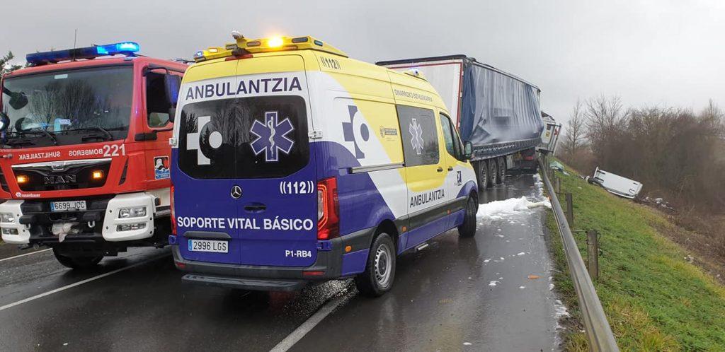 Servicios de Urgencia en accidente en Euskadi