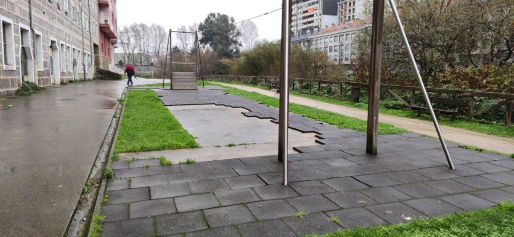 Parque infantil en Ourense
