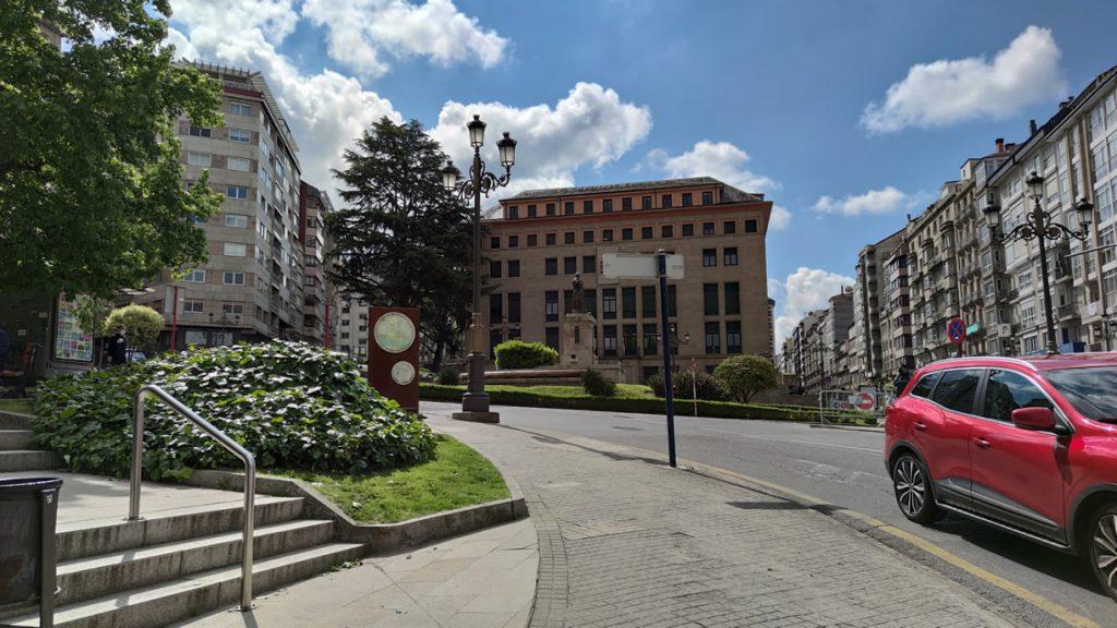 Palacio de Justicia y plaza
