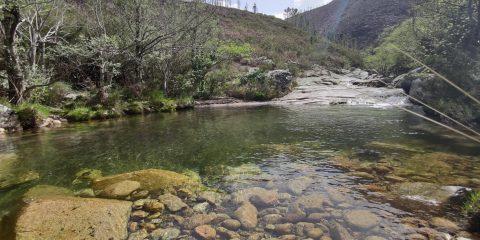 Turismo en el Xurés Lobios con río