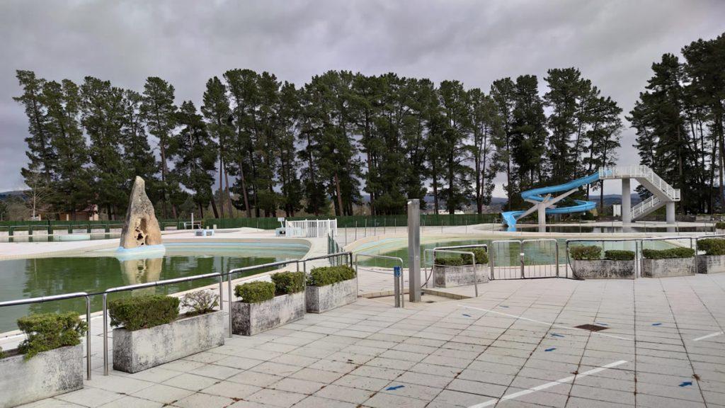 Piscinas del Complejo Deportivo de Monterrei