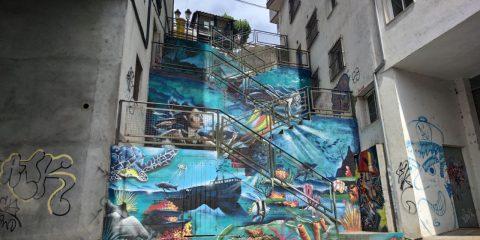 Graffiti en escalera de A Valenzá