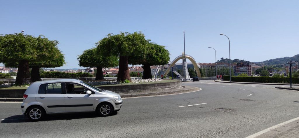 Puente del milenio rotonda