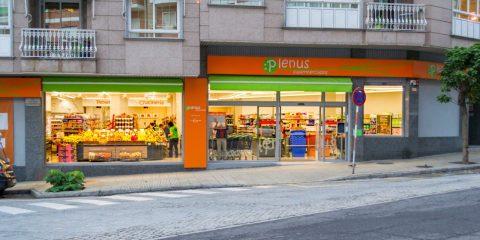 Supermercado Plenus en la Avenida de Portugal