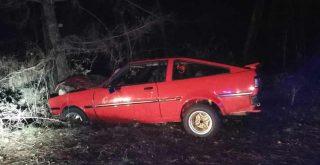 Accidente contra un árbol